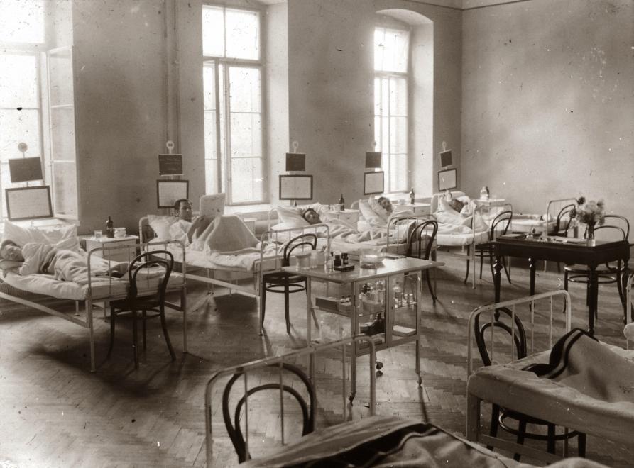 Kórterem a M. Kir. Erzsébet Tudományegyetem klinikáján 1928-ban (Forrás: Fortepan)