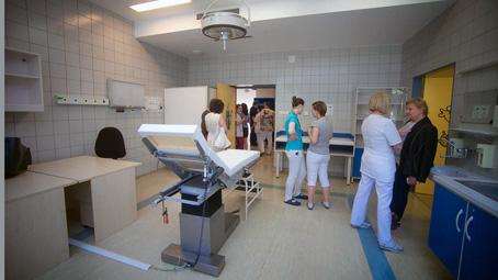 Az elmúlt évtizedek legnagyobb ápolási eszközbeszerzése a Klinikai Központban