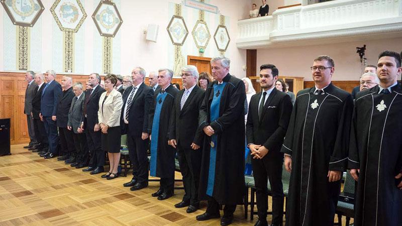 Díszdoktor avatás, egyetemi kitüntetések és oklevelek átadása a Magyar Tudomány Napján