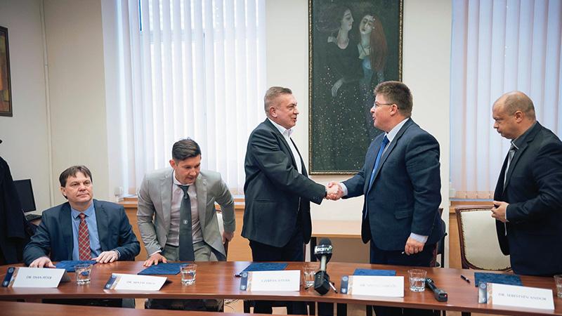 Együttműködés a Sportmedicina Tanszék és a PVSK között