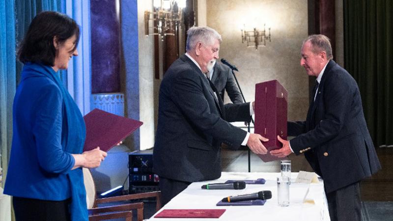 Semmelweis-díjjal tüntették ki dr. Kollár Lajost