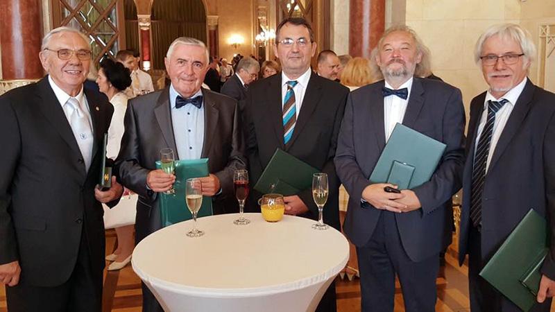 Wissenschaftler und Ärzte von Pécs wurden auch am Fest der Staatsgründung ausgezeichnet