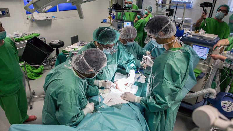 Two anaesthesiologists from Pécs took part in the separation surgery of the Bangladeshi twins