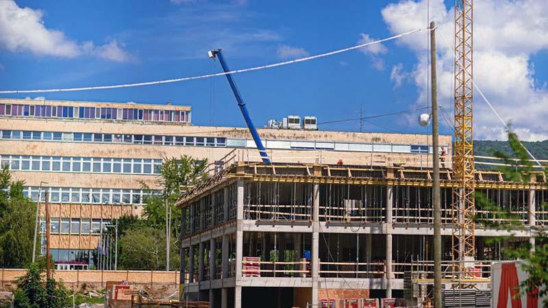 Die Bauarbeiten des Zahnmedizinischen Gebäude ist in vollem Gange