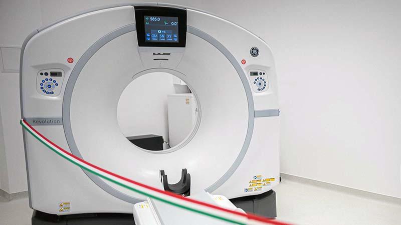 Csúcskategóriás CT-készülékkel bővült a Klinikai Központ eszközparkja
