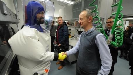 Modern és biztonságos virológiai laboratórium <br>a Szentágothai János Kutatóközpontban