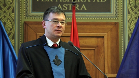 Karunkra látogat dr. Mihai Răzvan Ungureanu