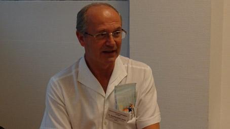 Orvosként - másként: dr. Szentkereszty László sebész előadása