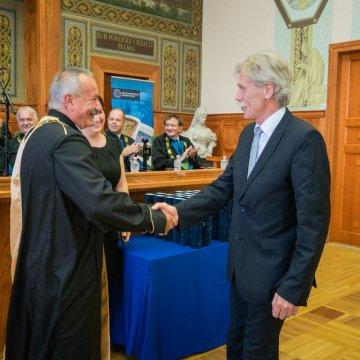 Dr. Ujfalussy György címzetes docensi címet kap a PTE Tanévzáró Ünnepi Szenátusi Ülésén